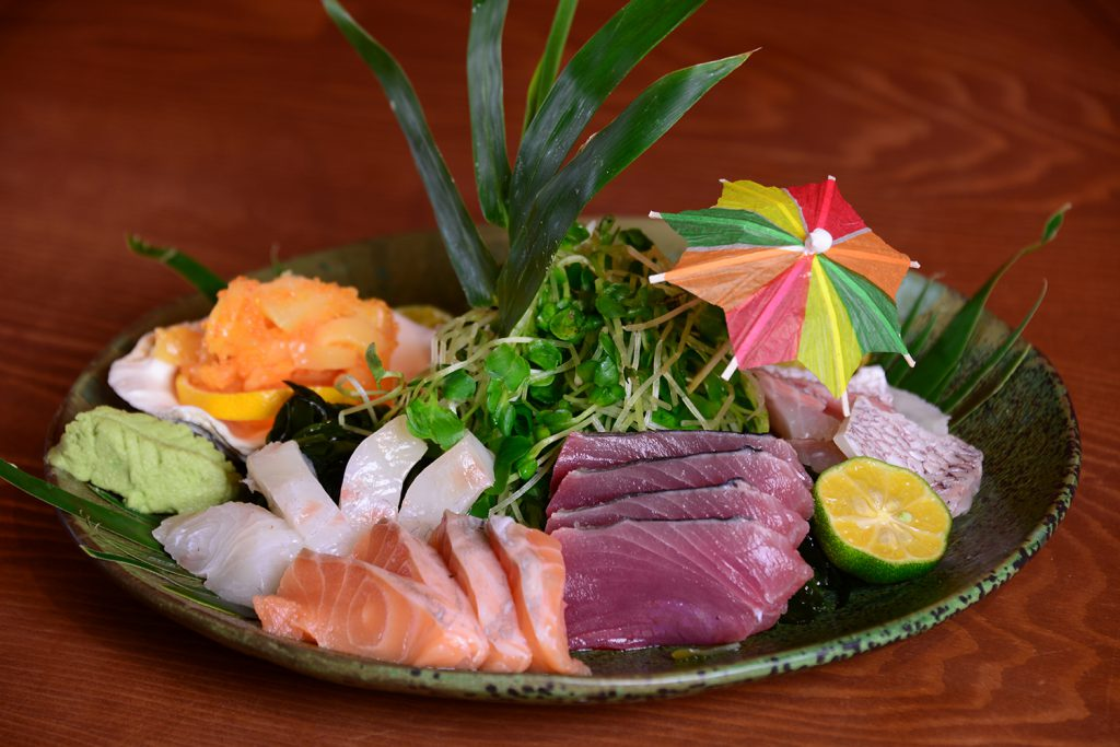 Enjoy our fresh sashimi that was prepared well by our chef!