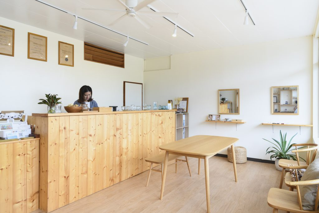 Customers are also welcome to dine in-store, which has a gentle-feeling, unfinished wood interior.